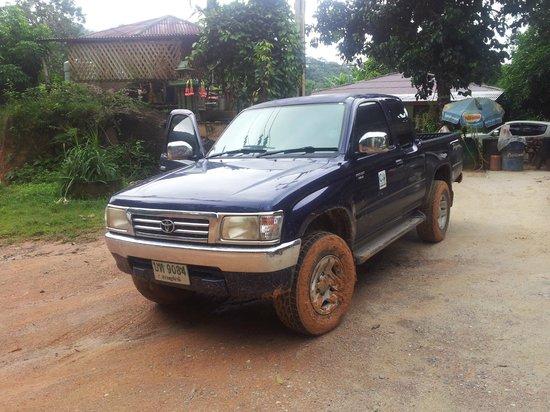 Thongtapan Resort: Ohne 4WD mit 4L Gang kommt man nicht vorwärts.......