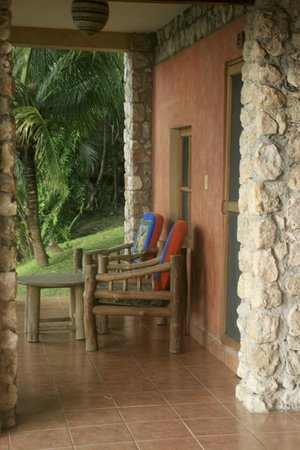 Hotel Bahia Taitza: Front porch of our room
