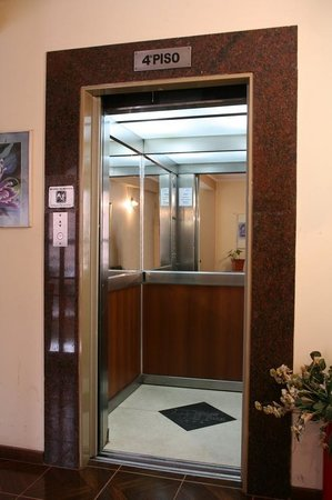 Dallas Hotel Tucuman : Ascensor
