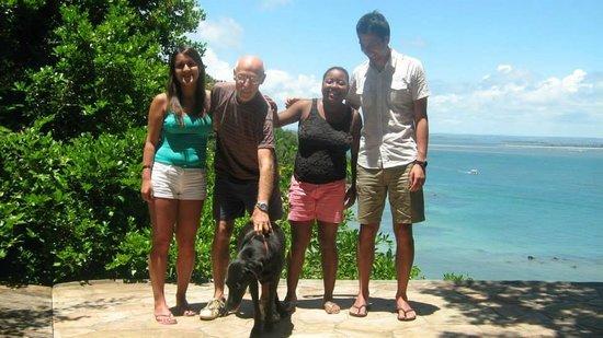 Villa-Bahia Apartments: Con Werner y Sé y su perrita Olivia :)