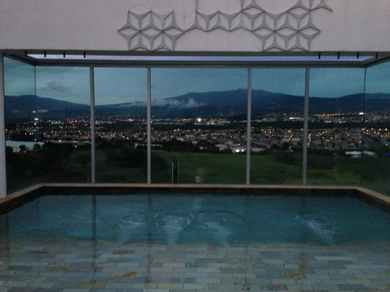 Sheraton San Jose Hotel: 8vo Piso de tarde Sección alberca