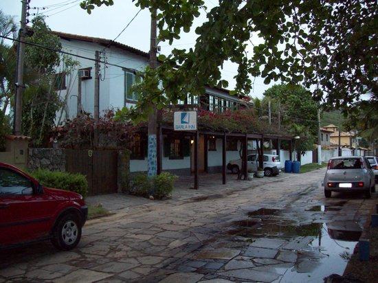 Barla Inn: frente posada