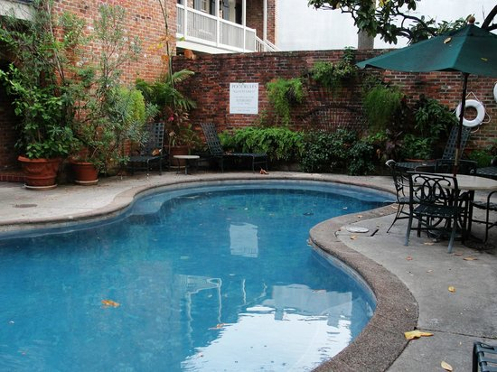 Place d'Armes Hotel: small pool