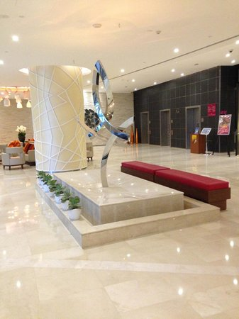 Crowne Plaza Doha - The Business Park: Lobby