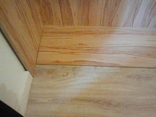 Centrooms House : Dettaglio camera/polvere pavimento