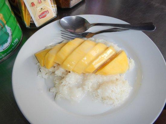 Roti Mina: Mango sticky rice