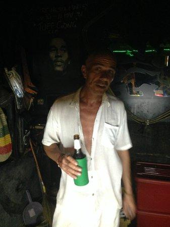 Riddim Shack, Bar and Grill: Owner Riddim Shack