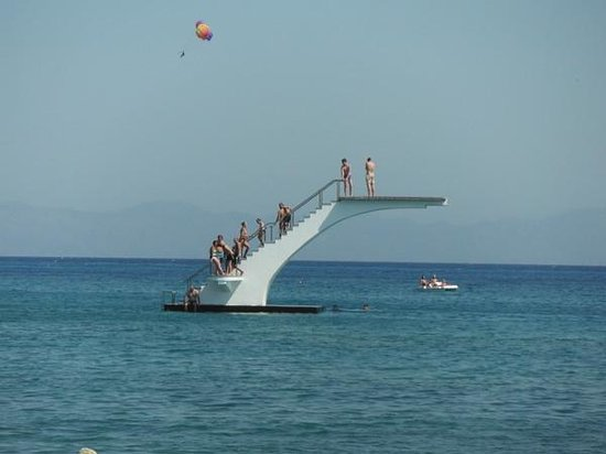 Titania Hotel: trampolim na grecia