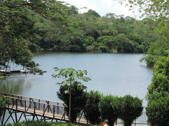 Hostería Florida Tropical: Lago