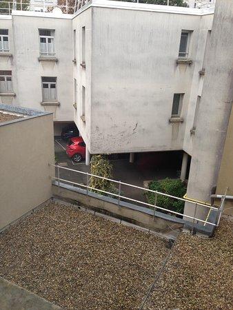 Ashley Hotel : vue sur le parking