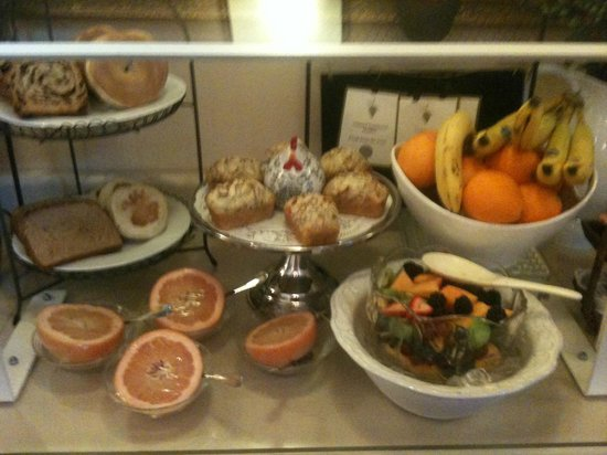 Best Western Plus Elm House Inn: Breakfast Buffet
