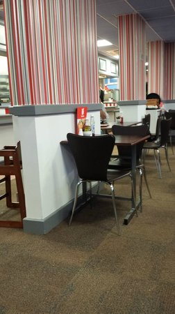 Eat&Go: dining area