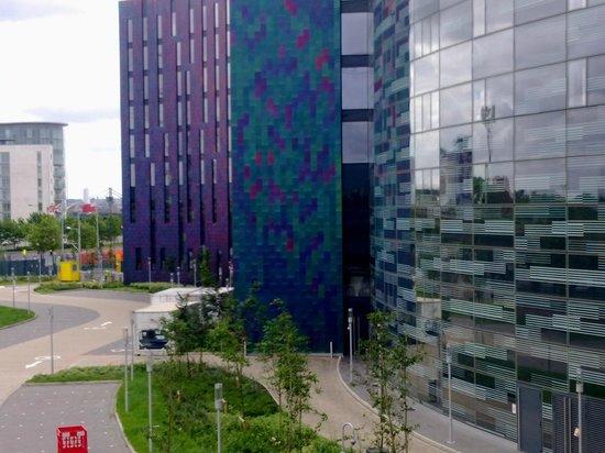 Aloft London Excel : Πρόσοψη ξενοδοχείου