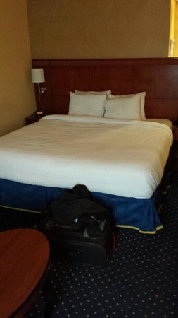 Courtyard by Marriott Memphis Southaven : room to snuggle?
