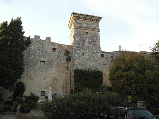 Torre Sangiovanni Albergo e Ristorante : facciata