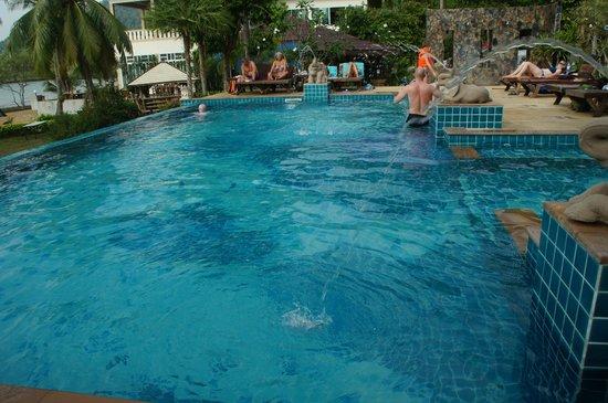Bailan Beach Resort: Plons