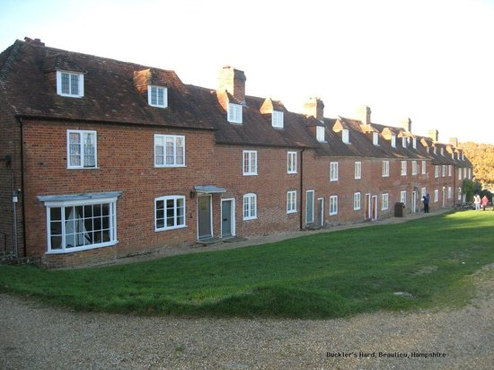 The Master Builder's House Hotel: Buckler's Hard (the hotel is the far end of this row)
