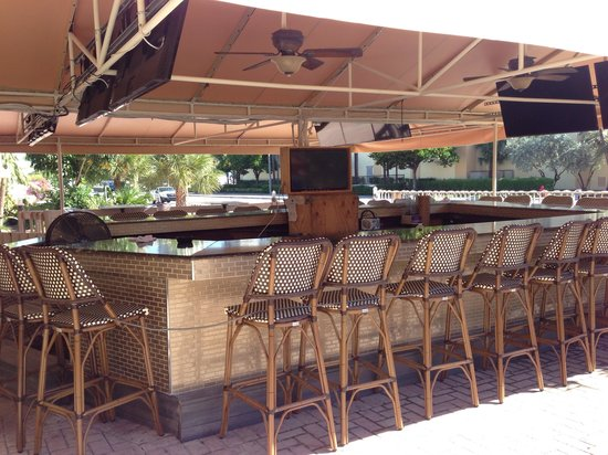 Beautiful outdoor bar next to the pool picture of royal for Beach bar ideas