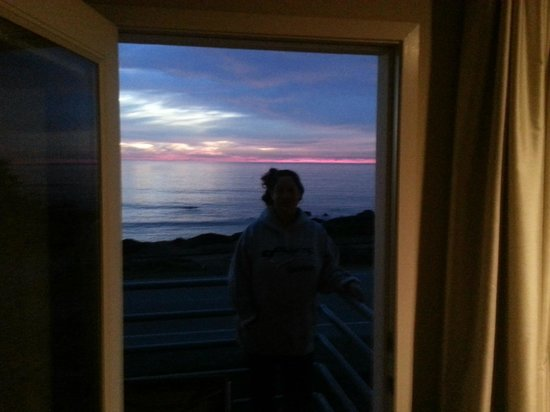Cambria Landing Inn & Suites: Door to the Sea