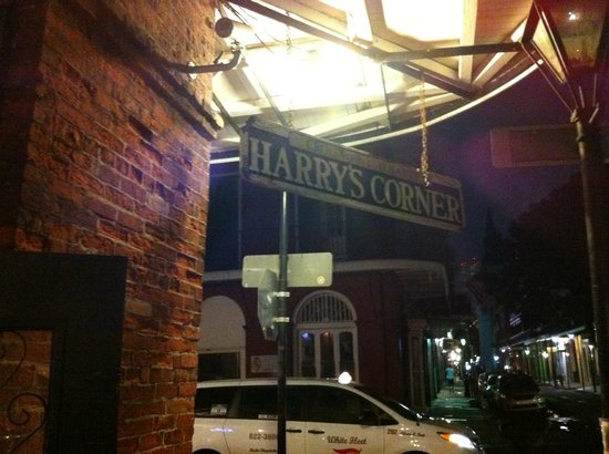 Harry's Corner Bar