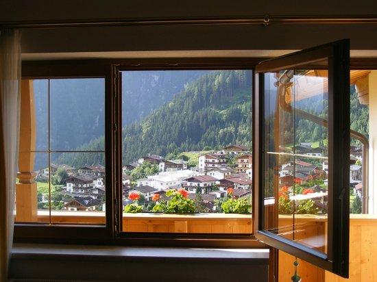 Hotel Persal: Window view onto part of Finkenborg