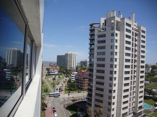 Palladium Business Hotel: Vista da janela do Palladium com o mar del plata ao fundo