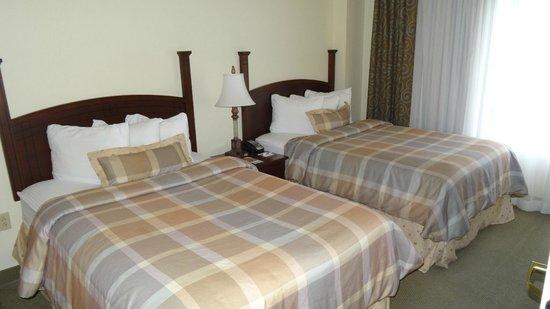 Staybridge Suites Denver International Airport: twn bedroom suite