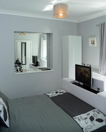 Ashbrook, Bangor Boutique Bed and Breakfast: standard double with en suite shower room