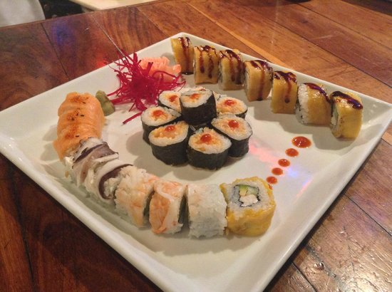A delicious combination plate: Mayan Roll, Spicy Tuna and the Asia Caribe Roll