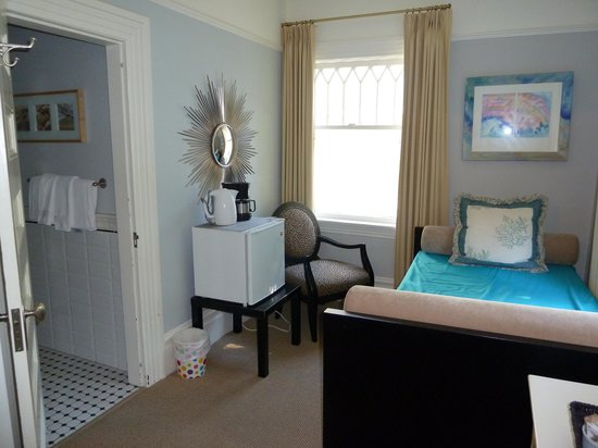Barclay House Bed and Breakfast: Beach Room