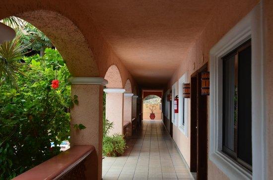 Los Barriles Hotel: Pasillos
