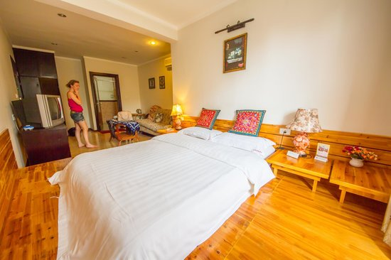 Riverside Hostel : private double queen (river view)