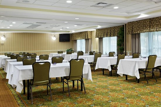 Hilton Garden Inn Beaufort: Meeting Room - Classroom Seating