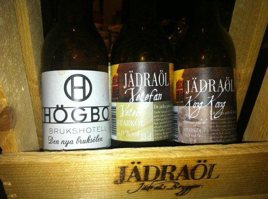 Hogbo Brukshotell : God öl och whiskey i baren.
