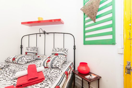 Trianon & Co Barcelona: small double room with shared bathroom