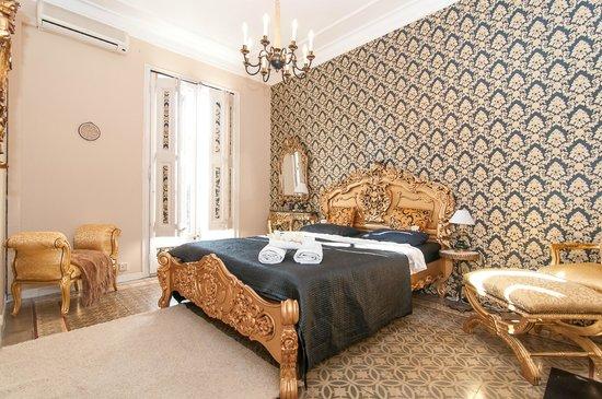 Trianon & Co Barcelona: Suite with private bathroom