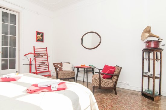 Trianon & Co Barcelona: Double room with shared bathroom