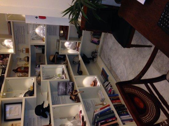 Hotel de Londres y de Inglaterra: Très agréable bibliothèque