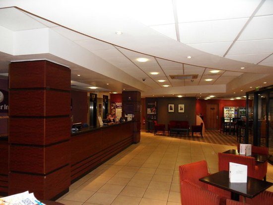 Premier Inn London City (Tower Hill) Hotel: Reception