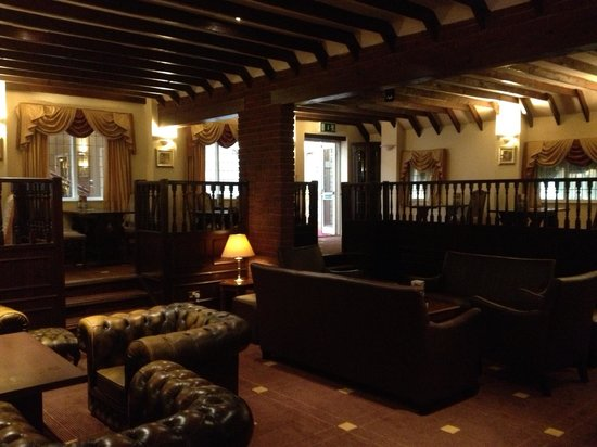 Pear Tree Inn and Country Hotel: Bar/lounge