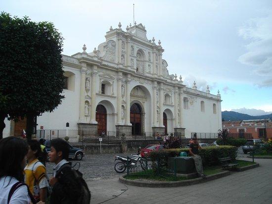 Hotel Museo Spa Casa Santo Domingo: Otra iglesia