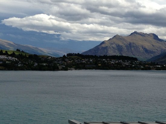 The Rees Hotel & Luxury Apartments: View of Lake Wakatipu from our room