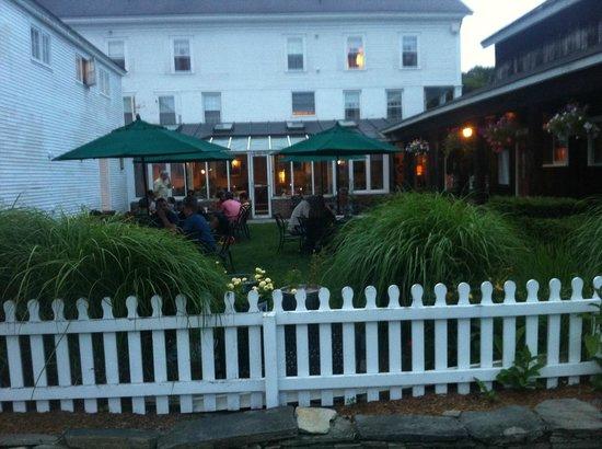 Phelps barn pub grafton restaurant reviews phone for Grafton house