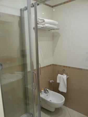 OC Hotel : doccia