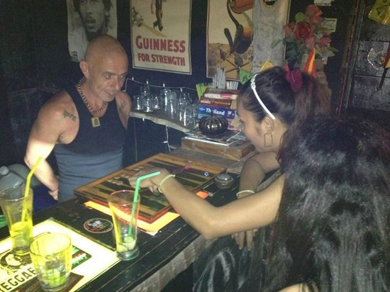 Riddim Shack, Bar and Grill: Backgammon