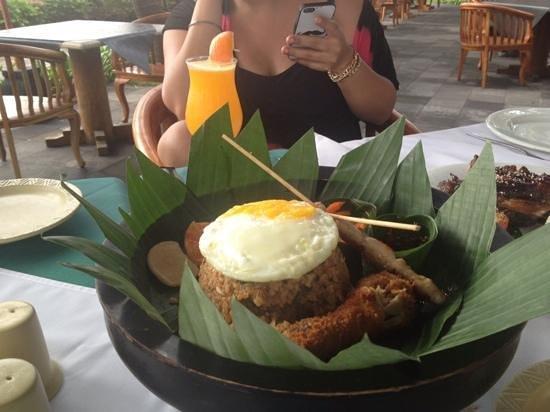 Legian Beach Hotel : excellent nasi goreng