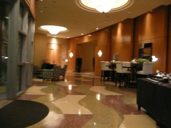 Hyatt Rosemont: Spot the concierge