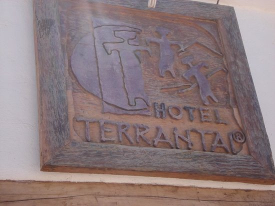 Lodge Andino Terrantai : Placa na fachada do hotel.