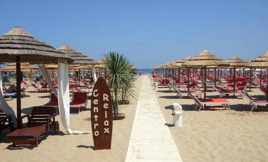 Bagno Spiaggia 90 Mirco Picture Of Hotel Paola Garden