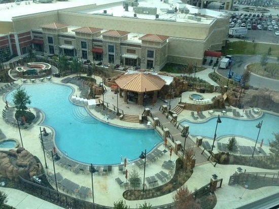 WinStar World Casino Hotel: New Winstar pool area view from Pool Tower North